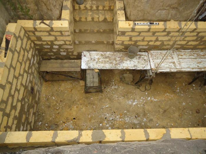 Как сделать подвал в уже построенном доме