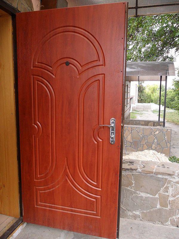двери металлические и бронированные